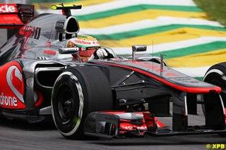 Lewis Hamilton coloca McLaren na pole. Os protagonistas Vettel e Alonso tiveram uma classificação bem abaixo do esperado.